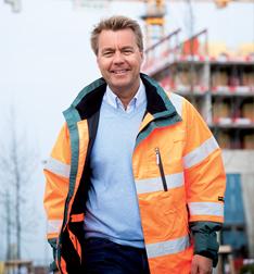 Han leder landets största byggföretag