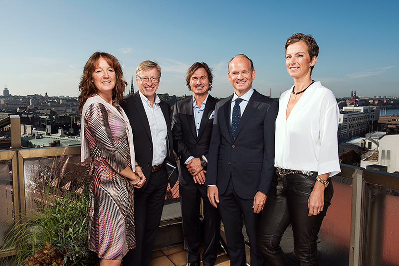 Från vänster: Karolin Forsling, Mats Hederos, Petter Stordalen,  Torgeir Silseth och Catarina Molén-Runnäs. Bild: AMF Fastigheter.