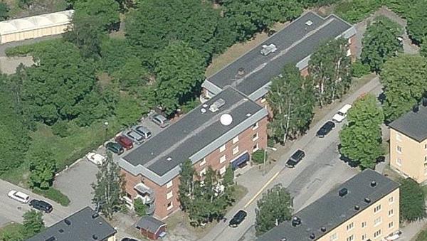 Fastigheten Hallonbusken 2. Hotel Attache har 63 rum.