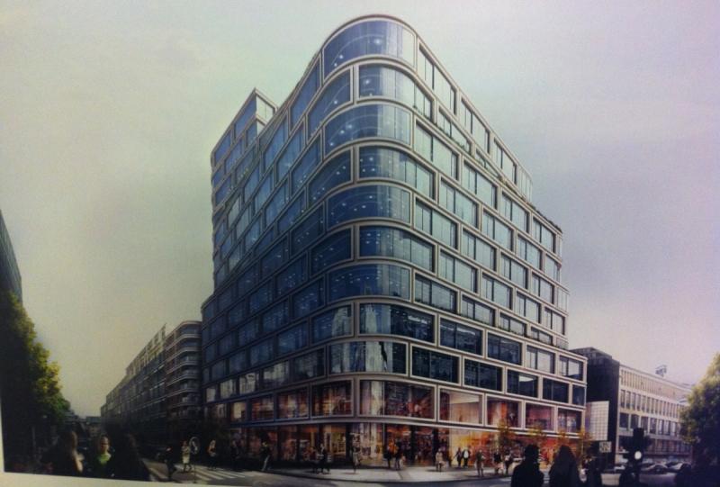 Tre våningsplan ska fyllas med 8.000 butiks- och restaurangytor. Dessutom planeras det för 20.000 kvm kontorslokaler och 25 bostäder.