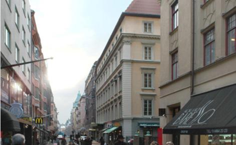 Fastigheten på Nybrogatan, mitt emellan Dramaten och Östermalmstorg, byggs om.