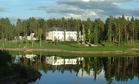 Under 1987 förvärvade Maths O Sundqvist Högfors slott tre mil norr om Östersund. Olyckan inträffade i närheten. Bild: Erik Svanberg.