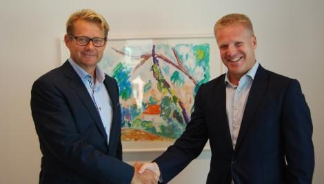 Björn Lindeborg, VD Newsec Asset Management, och Daniel Gorosch, VD Jones Lang LaSalle Sverige, presenterade igår affären för personalen hos JLL.