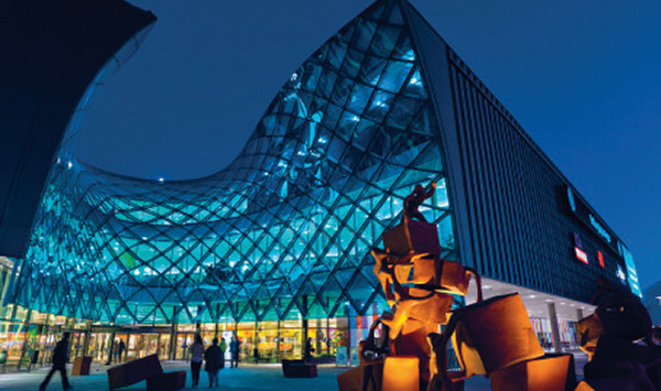 Steen & Ströms shoppingcenter Emporia i Malmö öppnade 25 oktober 2012.