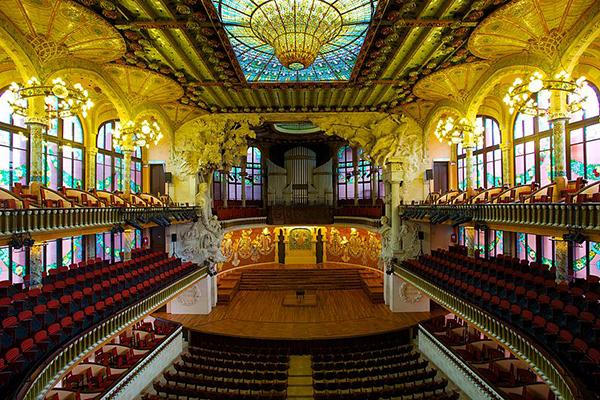 Palau de la Música Catalana i Barcelona är en stor förebild till det vinnande förslaget.