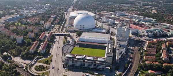 Den aktuella tomten utgörs av den östra delen av nuvarande Söderstadion. Det nya Tekniska Nämndhuset ska fungera som en bullervall mellan Nynäsvägen och de bostäder som ska byggas på resten av Söderstadion.