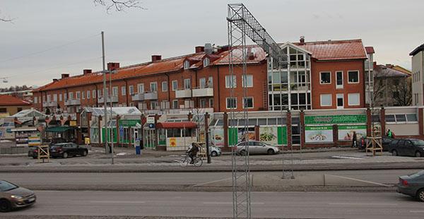 fastigheten Kalltorp 102-1 på Bromeliusgatan 7-9, en halv mil nordost om centrala Göteborg.