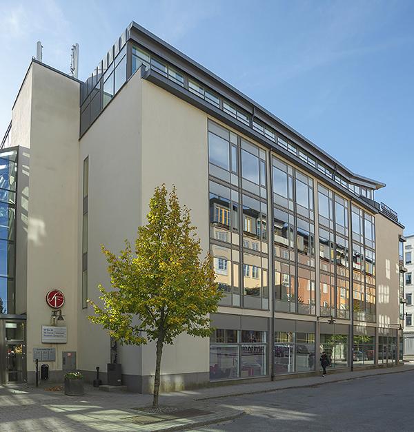 Filmstaden vid Näckrosen får snart skarp konkurrens av alla biosalar som kommer att finnas i Mall of Scandinavia som under senhösten 2015 öppnar i närheten. Fastigheten innehåller även stora ytor kontorslokaler. Fotograf: Åke Gunnarsson.