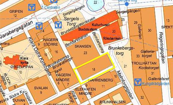 Den aktuella hotellfastigheten Skansen 18 (inramad med gul linje) gränsande till Skansen 23 (Stadsteatern) och Beridarbansgatan, Malmtorgsgatan/Brunkebergstorg, kv Wahrenberg och Hägern Mindre 7.