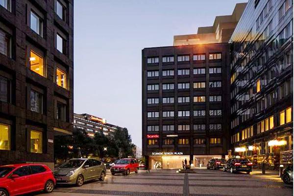 Såväl Stena Fastigheter som AMf Fastigheter och Stockholms stad är inblandade i arbetet att lyfta Brunkebergs torg.