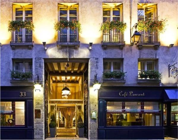 Längs Arsenalsgatan finns en hög entré som hotellet tänker dra nytta av.
