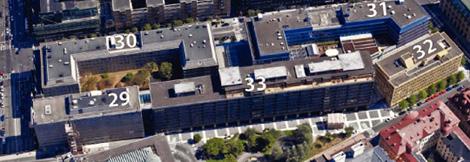 """Flygbild över """"Gallerian-kvarteret"""" som det ser ut idag. Siffrorna anger respektive fastighetsbeteckning."""