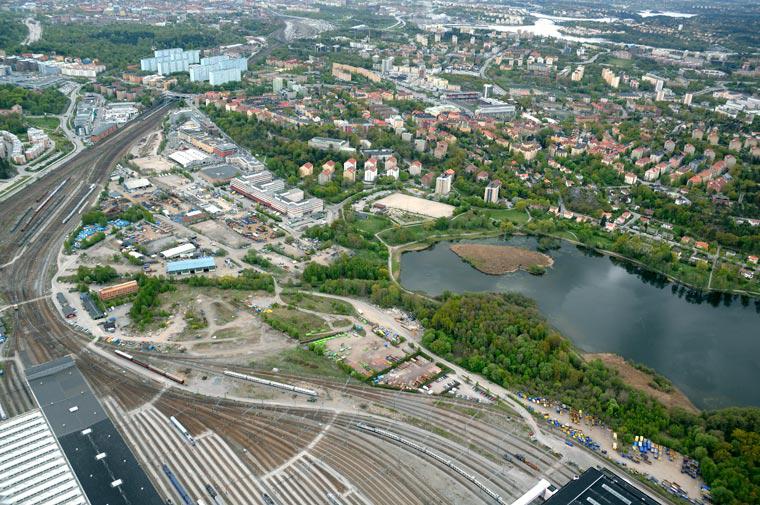Kommer du ihåg hur det såg ut 2007? Detta var Arenastaden före Friends, Mall of Scandinavia och Vattenfalls huvudkontor. Foto: Solna stad.