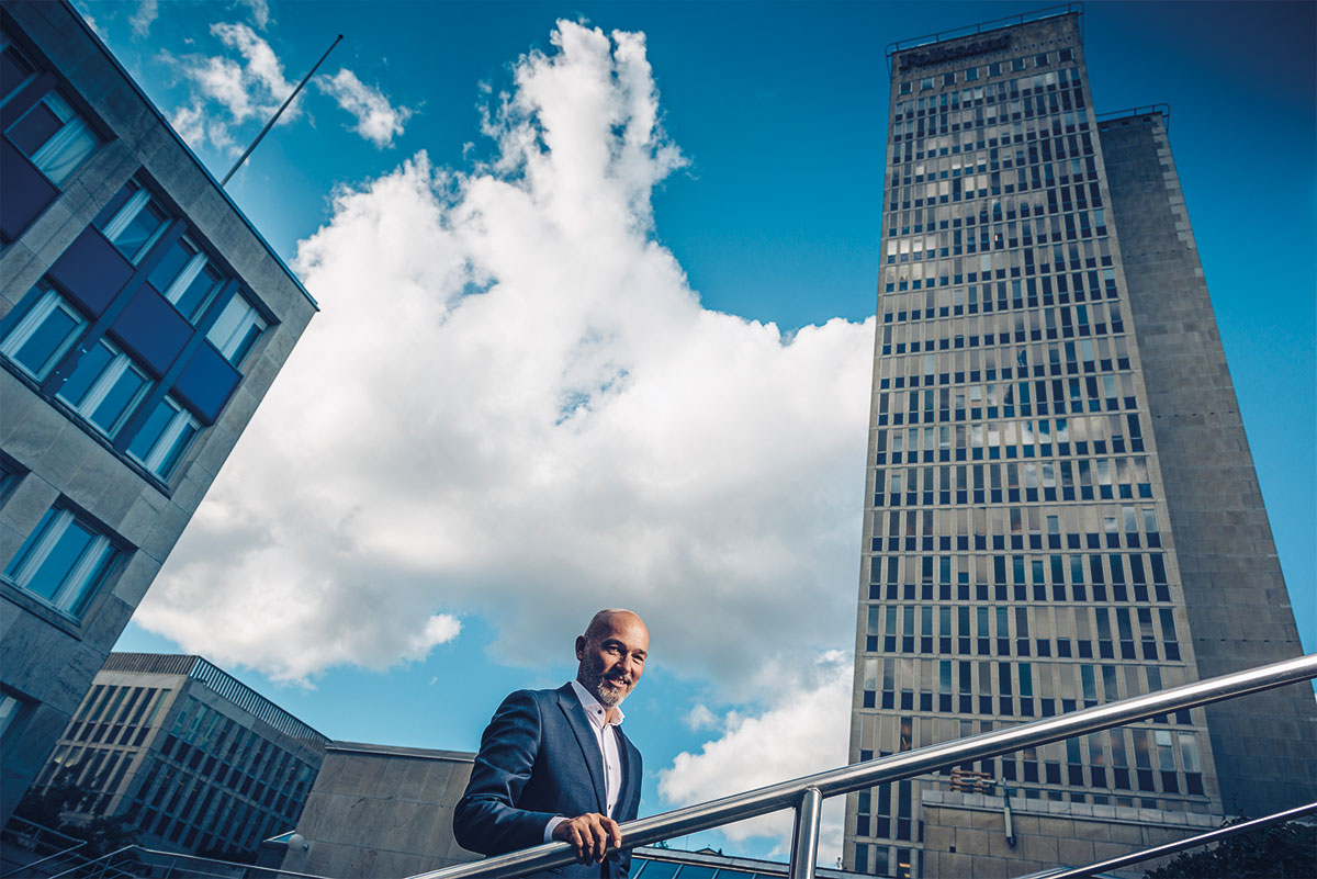 Under 55 år har Folksam haft sitt huvudkontor i sin skrapa vid Skanstull i Stockholm. Nu pågår ett planarbete för att utveckla hela området.