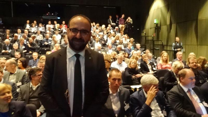 Bostadsminister Mehmet Kaplan talade på Uppsalaseminariet.