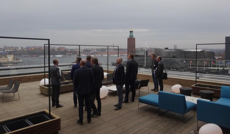 Efter seminariet visades intresserade åhörare i mindre grupper runt i det nya hotellet.
