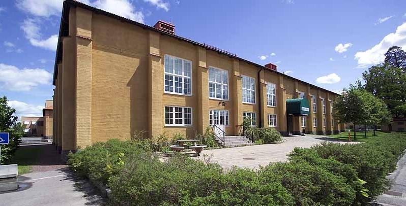 Fastighet på Garnisonsområdet i Linköping. Foto: Lasse Hejdenberg