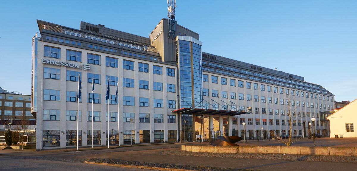 En av de större kontorsfastigheterna på Trossö, huvudön i Karlskrona, ingår i transaktionen.