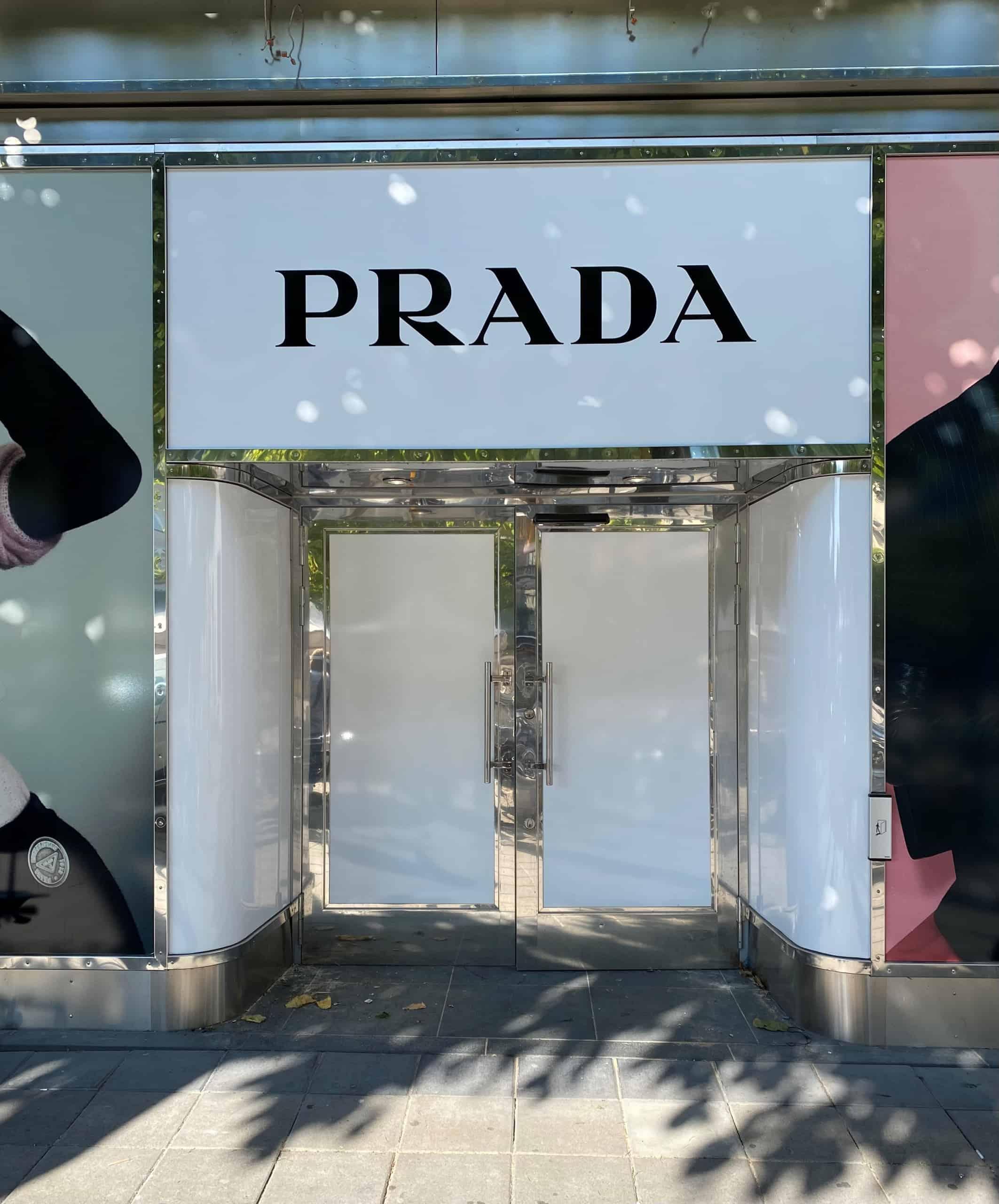 Prada öppnar pop-up butik i Hufvudstadens fastighet i Stockholm